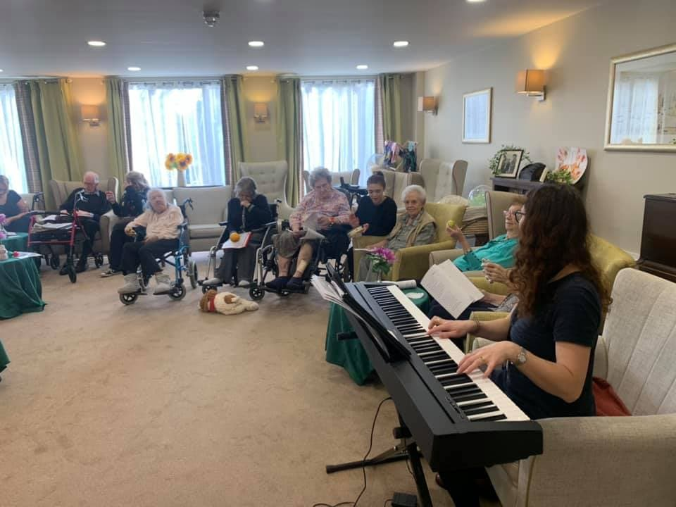The Sound of Music Therapy – The Benefits of Music Therapy for Care Home Residents